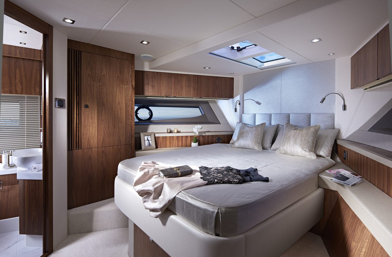 Sunseeker Manhattan 52 Forward Cabin