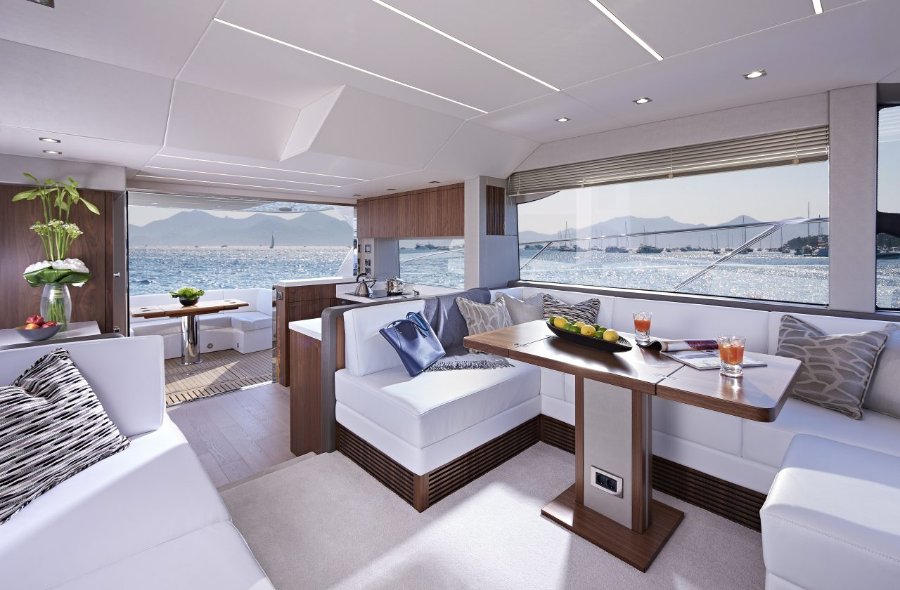 Sunseeker Manhattan 52 Salon Aft