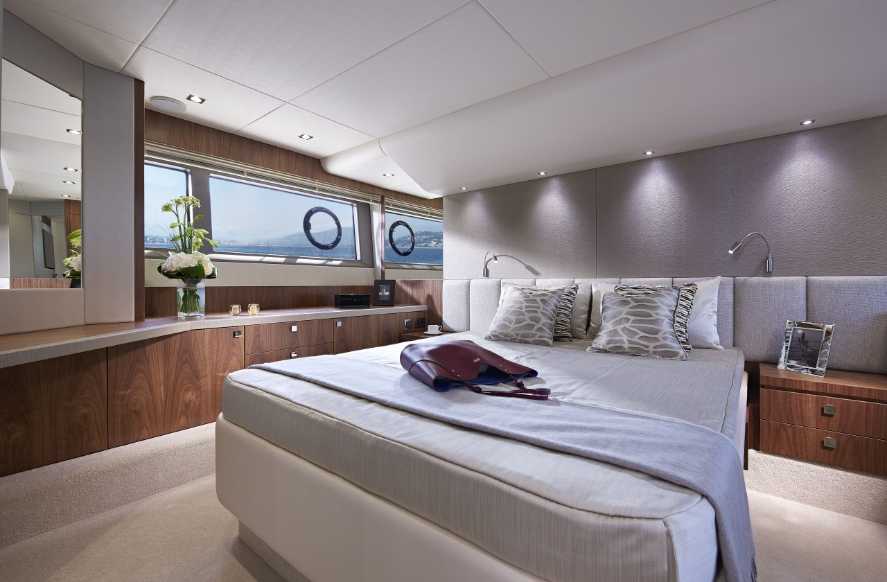 Sunseeker Manhattan 52 Stateroom