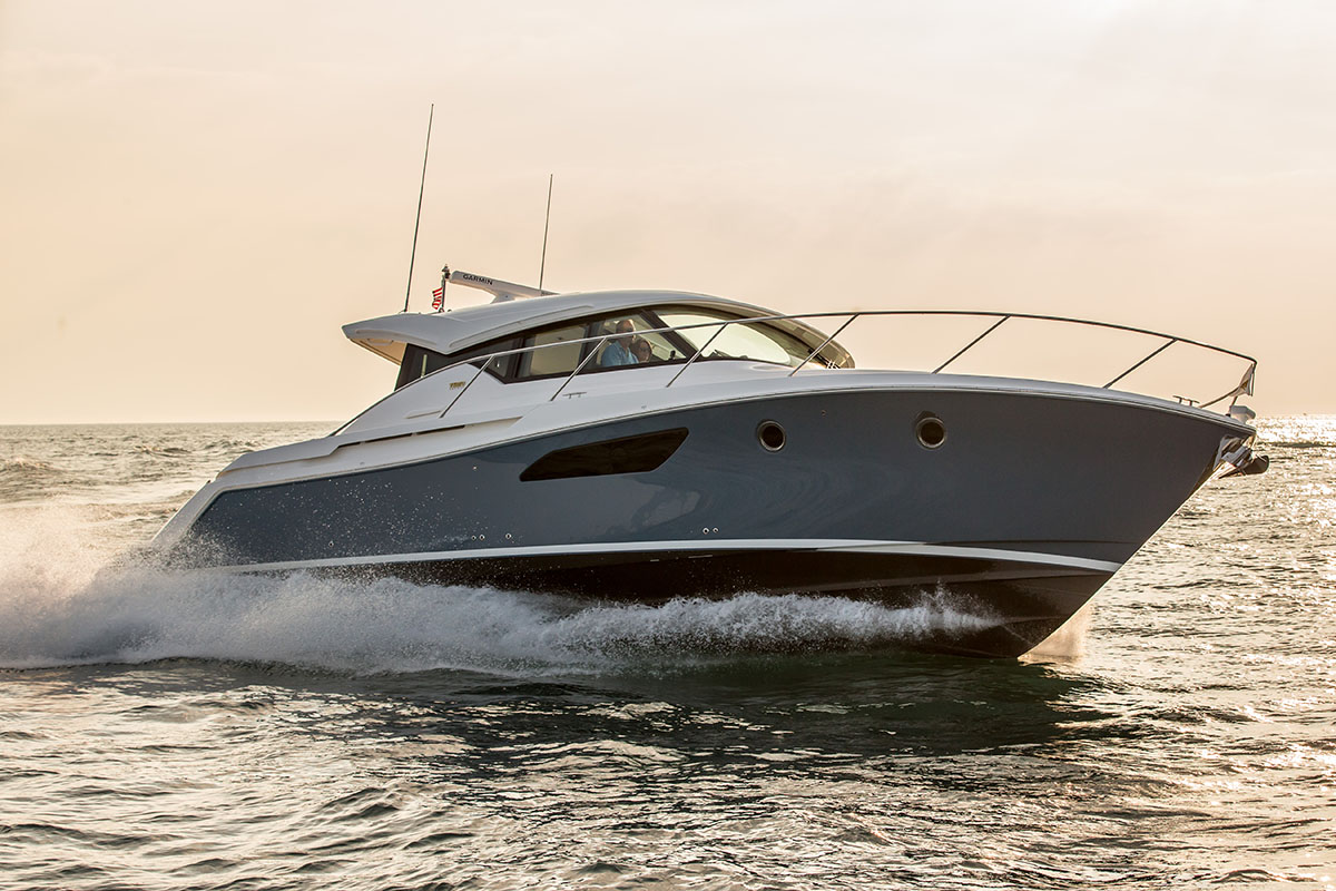 Tiara 44 Coupe Yacht for sale