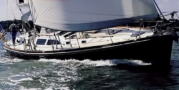 Hylas 54 Sailboat Review - Cruising World Boat of the Year 1999