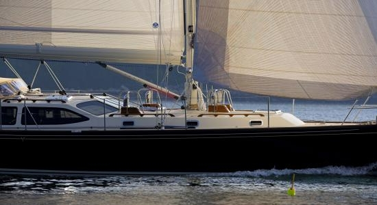 Morris 48 Review - Offshore Cruiser, Offshore Racer
