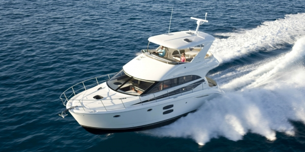 Meridian 441 Sedan Review - Cruising Made Easy