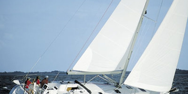 Catalina 470 Sailboat Review - The Sumptuous Catalina 470
