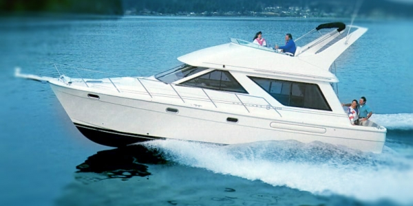Bayliner 3988 Motoryacht Review - NEW PLACE LIKE HOME