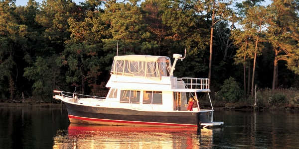Mainship 400 Trawler Review
