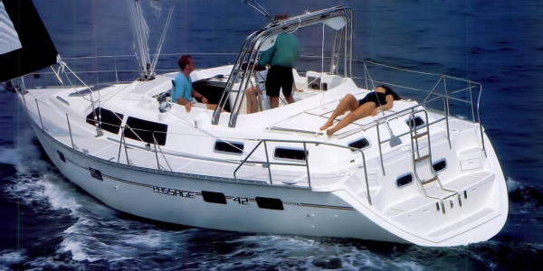 Hunter Passage 42 Review - Cruising World