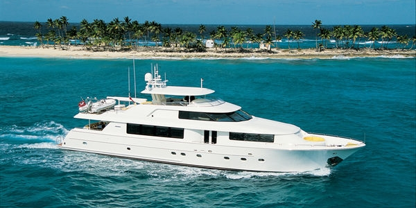 WESTPORT 112 RAISED PILOTHOUSE MOTORYACHT REVIEW - YACHTS INTERNATIONAL - March 2004